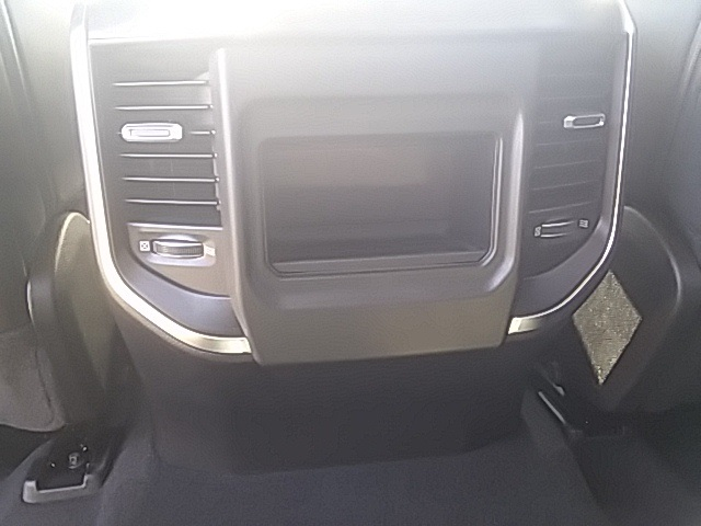 2019 Ram 1500 Crew Cab 4x2,  Pickup #KN530924 - photo 10