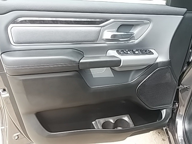2019 Ram 1500 Crew Cab 4x2,  Pickup #KN534824 - photo 9