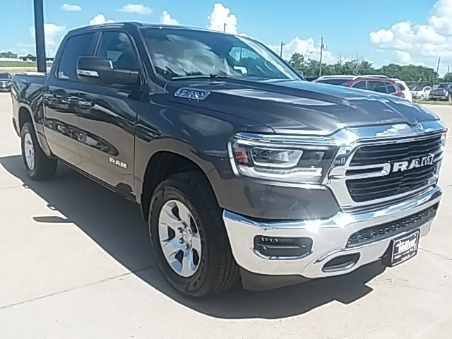 2019 Ram 1500 Crew Cab 4x4,  Pickup #KN540024 - photo 3