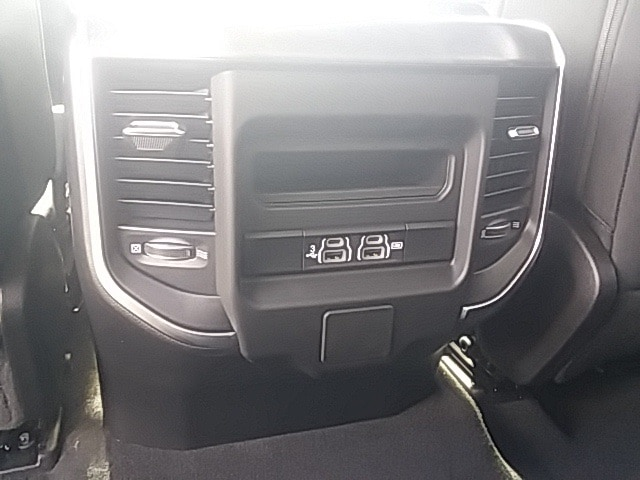 2019 Ram 1500 Crew Cab 4x4,  Pickup #KN540024 - photo 10
