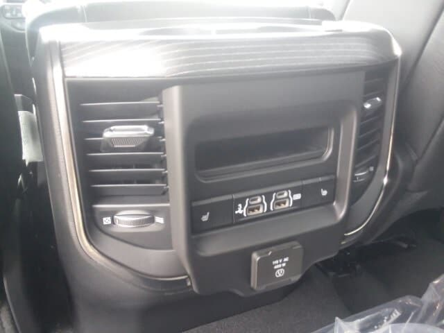 2019 Ram 1500 Crew Cab 4x4,  Pickup #KN632592 - photo 12