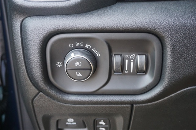 2019 Ram 1500 Crew Cab 4x2,  Pickup #KN679770 - photo 22