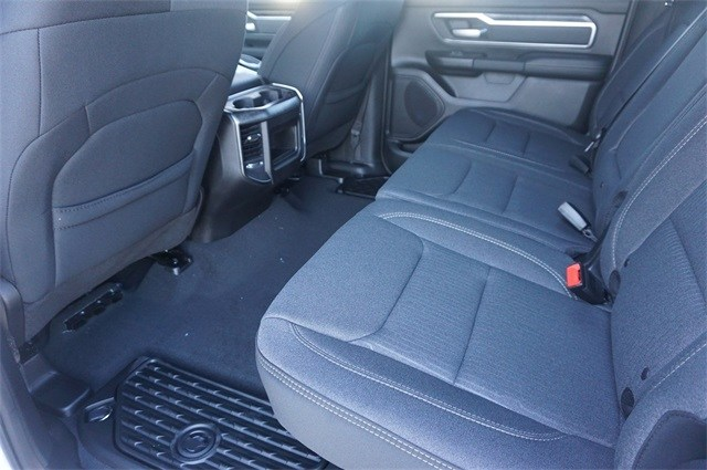 2019 Ram 1500 Crew Cab 4x2,  Pickup #KN684488 - photo 31