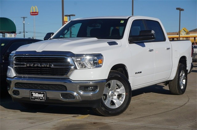 2019 Ram 1500 Crew Cab 4x2,  Pickup #KN684488 - photo 4