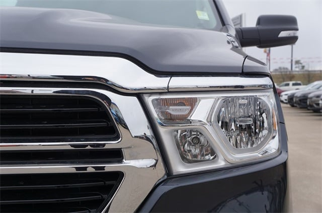 2019 Ram 1500 Crew Cab 4x4,  Pickup #KN688058 - photo 9