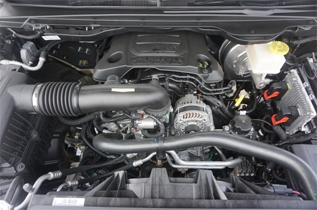 2019 Ram 1500 Crew Cab 4x4,  Pickup #KN693085 - photo 30