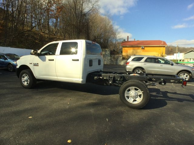 2018 Ram 3500 Crew Cab 4x4,  Cab Chassis #AA513 - photo 12