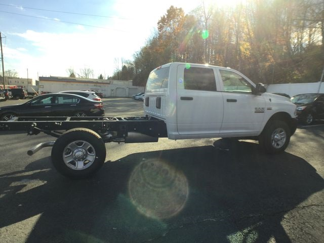 2018 Ram 3500 Crew Cab 4x4,  Cab Chassis #AA513 - photo 20