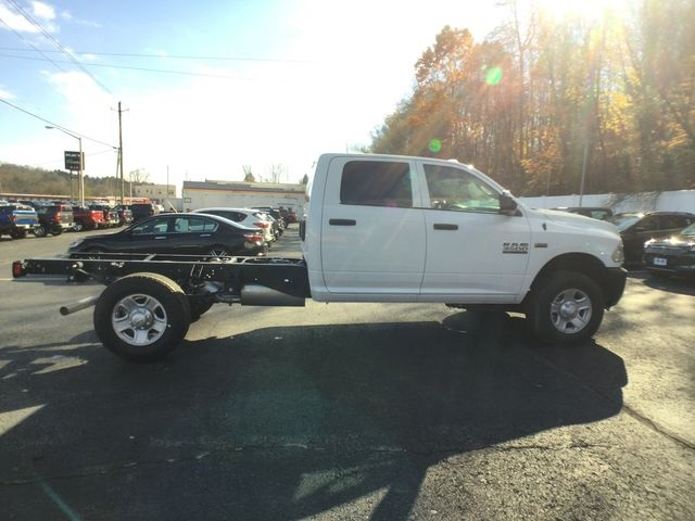 2018 Ram 3500 Crew Cab 4x4,  Cab Chassis #AA513 - photo 21
