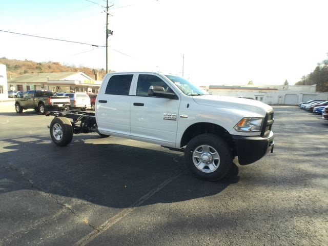 2018 Ram 3500 Crew Cab 4x4,  Cab Chassis #AA513 - photo 24
