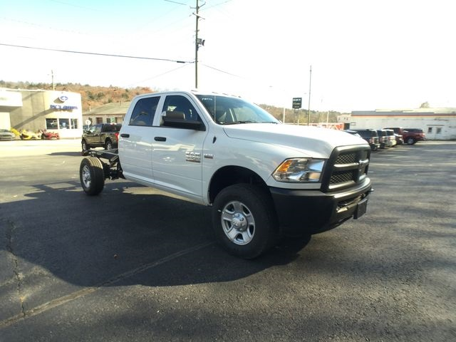 2018 Ram 3500 Crew Cab 4x4,  Cab Chassis #AA513 - photo 25