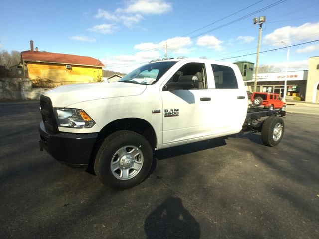 2018 Ram 3500 Crew Cab 4x4,  Cab Chassis #AA513 - photo 8