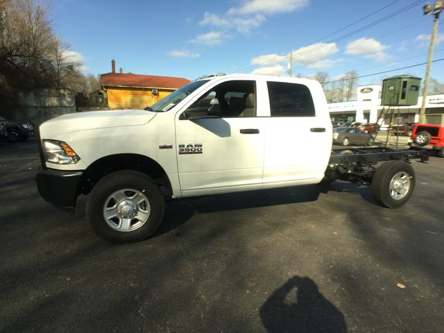 2018 Ram 3500 Crew Cab 4x4,  Cab Chassis #AA513 - photo 9