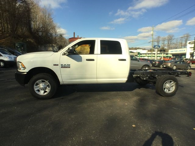 2018 Ram 3500 Crew Cab 4x4,  Cab Chassis #AA513 - photo 10