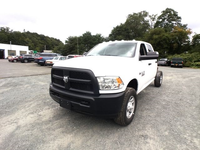 2018 Ram 3500 Crew Cab 4x4,  Cab Chassis #AA514 - photo 3