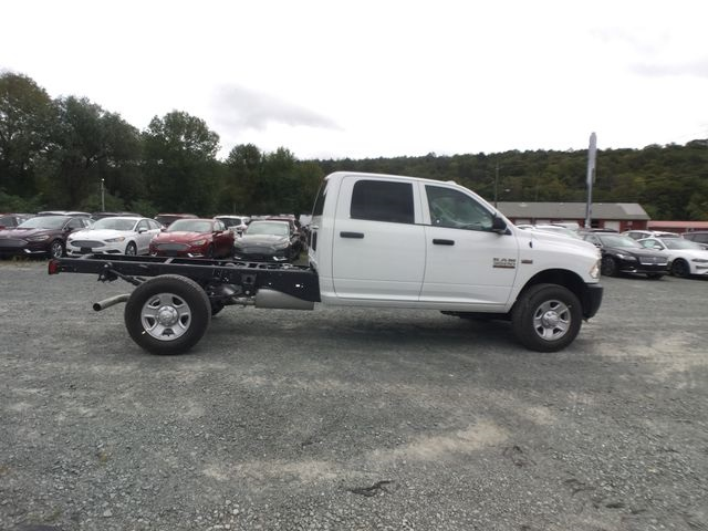 2018 Ram 3500 Crew Cab 4x4,  Cab Chassis #AA514 - photo 21