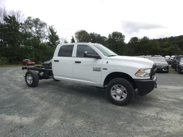 2018 Ram 3500 Crew Cab 4x4,  Cab Chassis #AA514 - photo 24