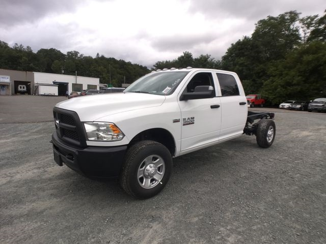 2018 Ram 3500 Crew Cab 4x4,  Cab Chassis #AA514 - photo 8