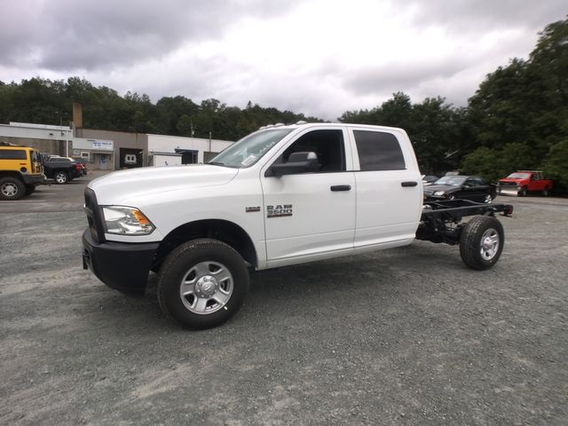 2018 Ram 3500 Crew Cab 4x4,  Cab Chassis #AA514 - photo 9