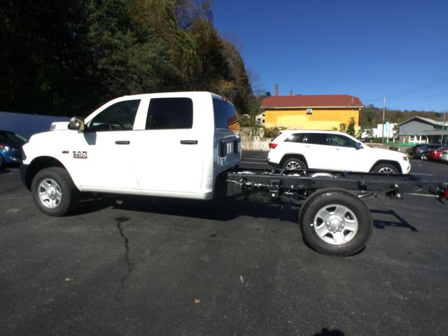 2018 Ram 3500 Crew Cab 4x4,  Cab Chassis #AA535 - photo 12
