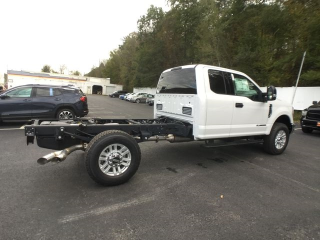 2019 F-350 Super Cab 4x4,  Cab Chassis #BF007 - photo 19