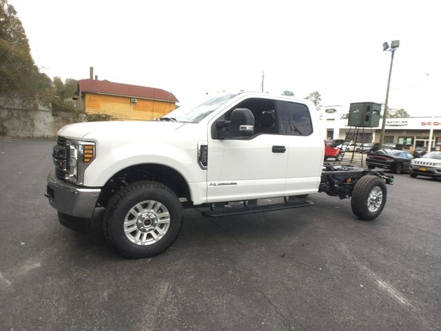 2019 F-350 Super Cab 4x4,  Cab Chassis #BF007 - photo 8