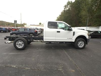 2019 F-350 Super Cab 4x4,  Cab Chassis #BF007 - photo 21