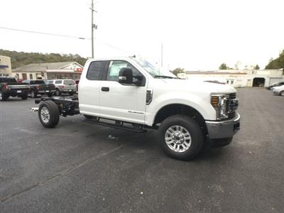 2019 F-350 Super Cab 4x4,  Cab Chassis #BF007 - photo 24