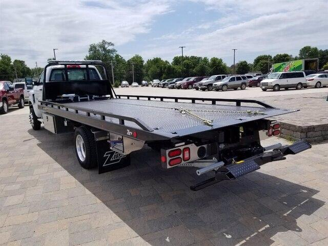 2019 Chevrolet Silverado Medium Duty Regular Cab DRW 4x4, Miller Industries Century Rollback Body #28154 - photo 2