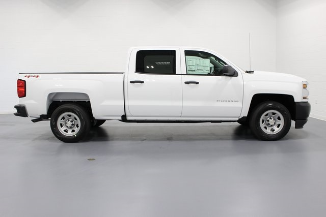 2017 Silverado 1500 Crew Cab 4x4, Pickup #E19847 - photo 8