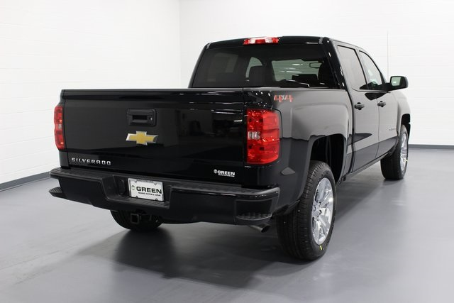 2018 Silverado 1500 Crew Cab 4x4,  Pickup #E20298 - photo 2