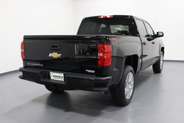 2018 Silverado 1500 Crew Cab 4x4,  Pickup #E20312 - photo 2