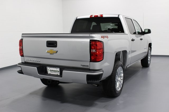 2018 Silverado 1500 Crew Cab 4x4,  Pickup #E20332 - photo 2