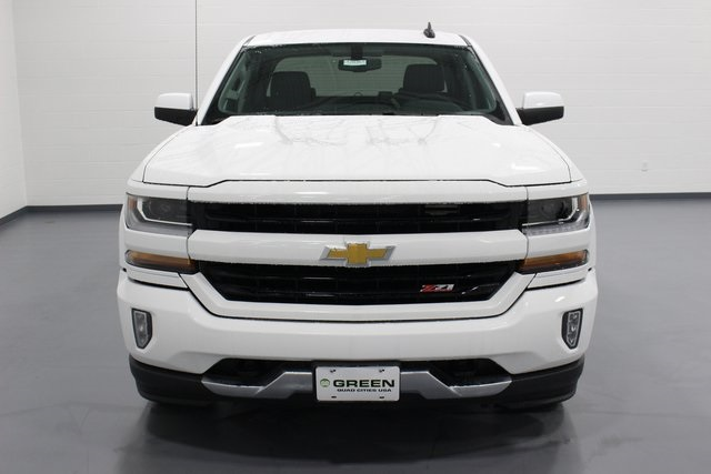 2018 Silverado 1500 Crew Cab 4x4, Pickup #E20357 - photo 3