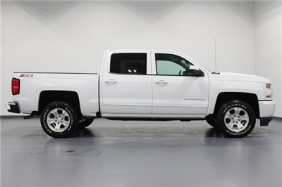 2018 Silverado 1500 Crew Cab 4x4, Pickup #E20357 - photo 8