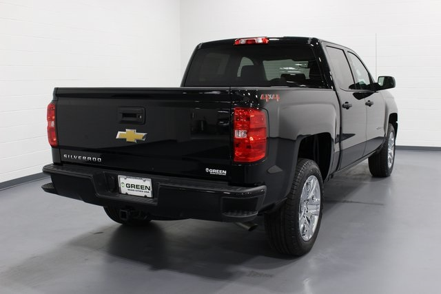 2018 Silverado 1500 Crew Cab 4x4,  Pickup #E20385 - photo 2