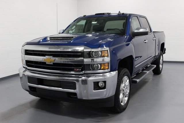 2018 Silverado 2500 Crew Cab 4x4,  Pickup #E20649 - photo 4