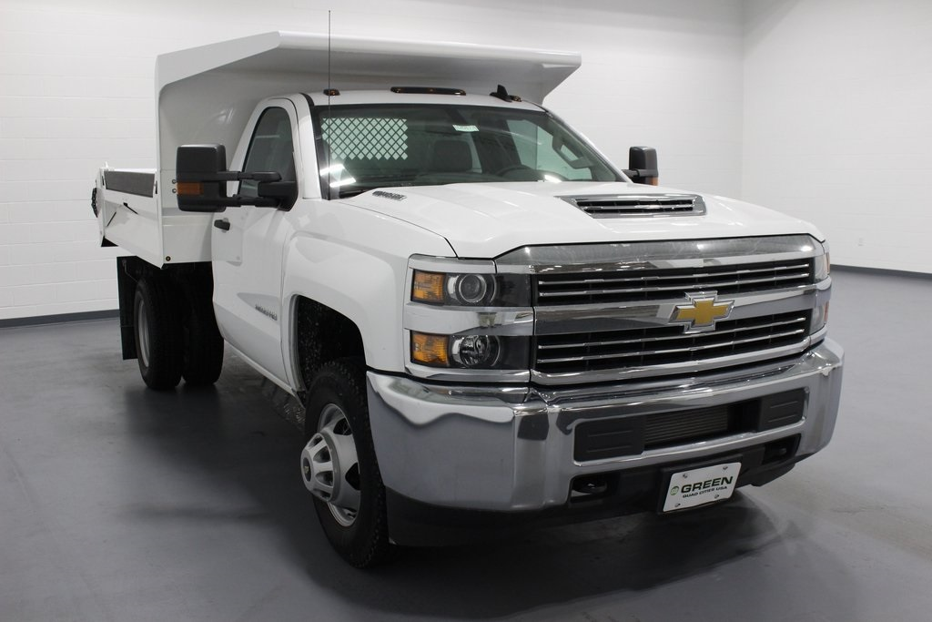 2018 Silverado 3500 Regular Cab DRW 4x4,  Knapheide Dump Body #E20673 - photo 3