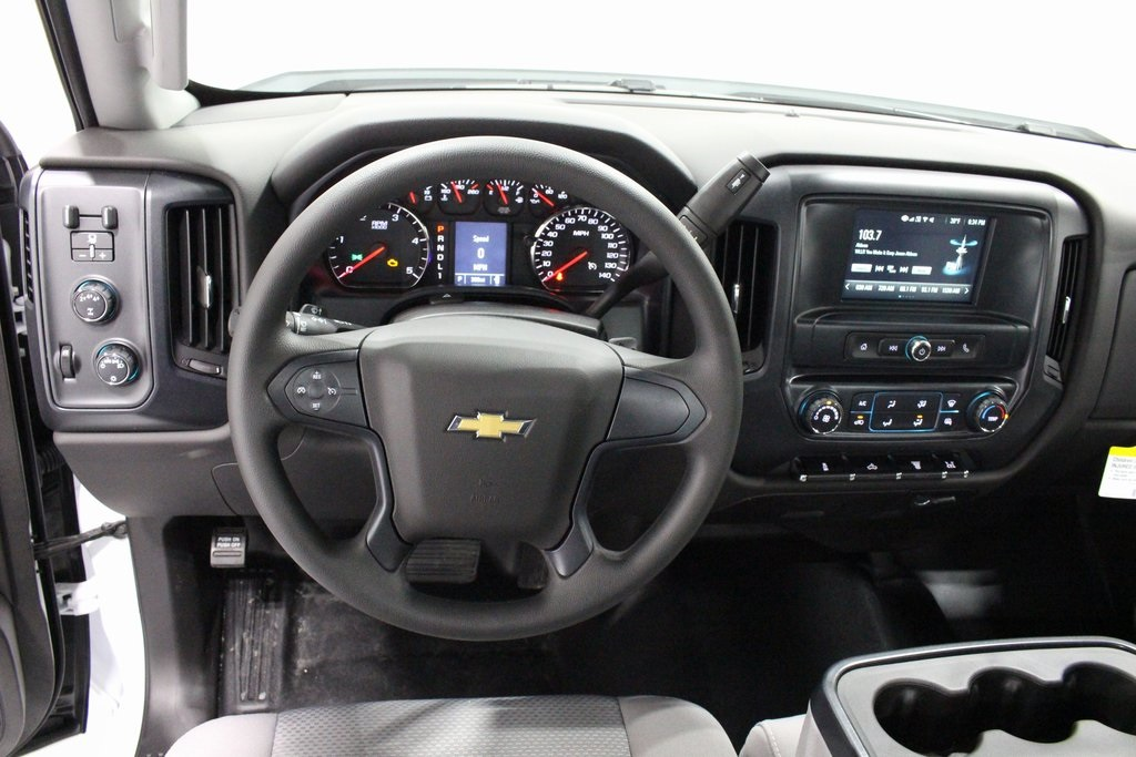 2018 Silverado 3500 Regular Cab DRW 4x4, Cab Chassis #E20673 - photo 21