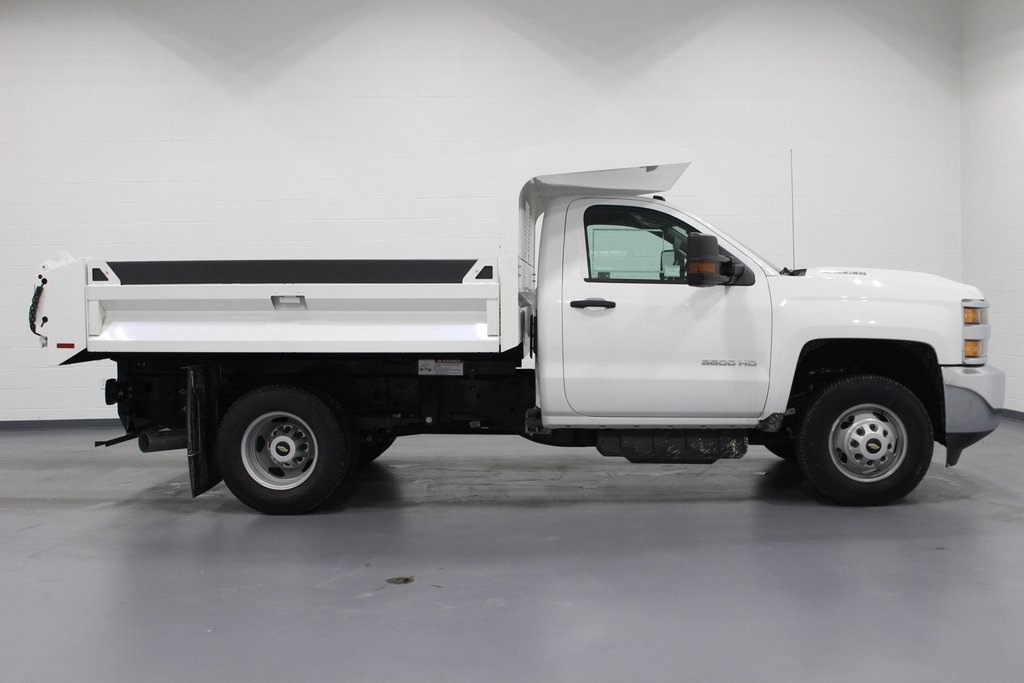 2018 Silverado 3500 Regular Cab DRW 4x4, Cab Chassis #E20673 - photo 8