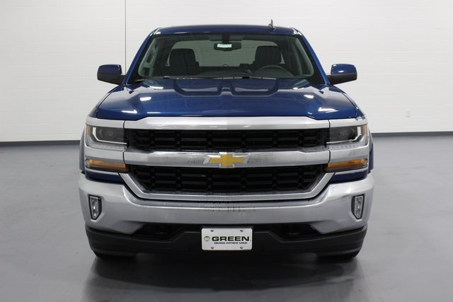 2018 Silverado 1500 Crew Cab 4x4, Pickup #E20753 - photo 3