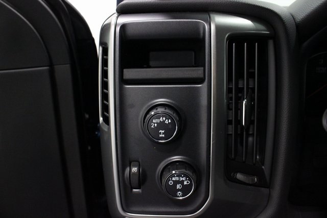 2018 Silverado 1500 Crew Cab 4x4, Pickup #E20753 - photo 34