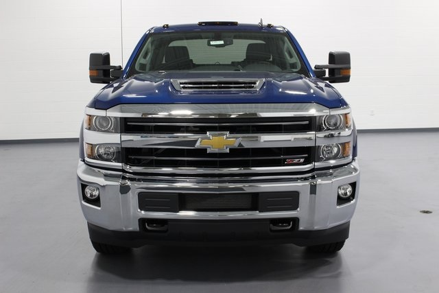 2018 Silverado 2500 Crew Cab 4x4, Pickup #E20785 - photo 3