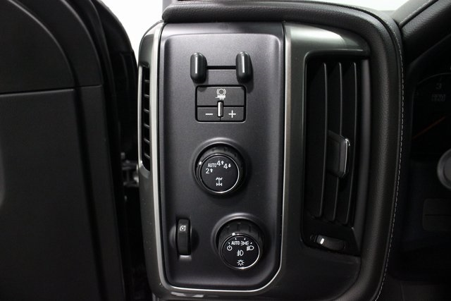 2018 Silverado 1500 Crew Cab 4x4, Pickup #E20811 - photo 34
