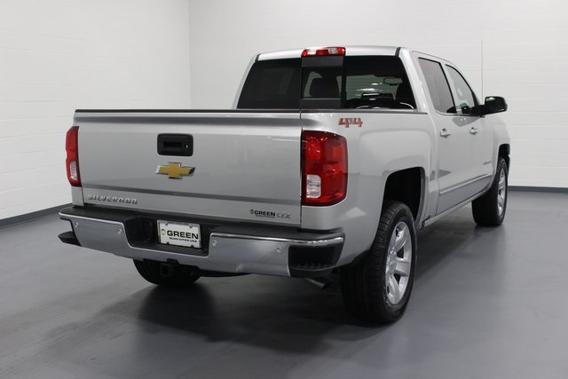 2018 Silverado 1500 Crew Cab 4x4, Pickup #E20811 - photo 2