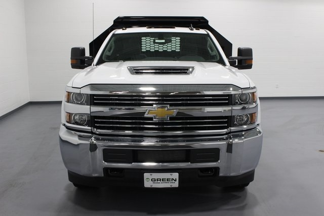 2018 Silverado 3500 Regular Cab DRW 4x4, Dump Body #E20891 - photo 3