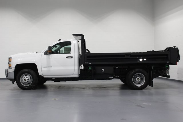 2018 Silverado 3500 Regular Cab DRW 4x4, Dump Body #E20891 - photo 5