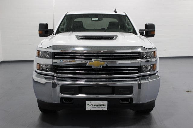 2018 Silverado 3500 Crew Cab 4x4,  Pickup #E20992 - photo 3