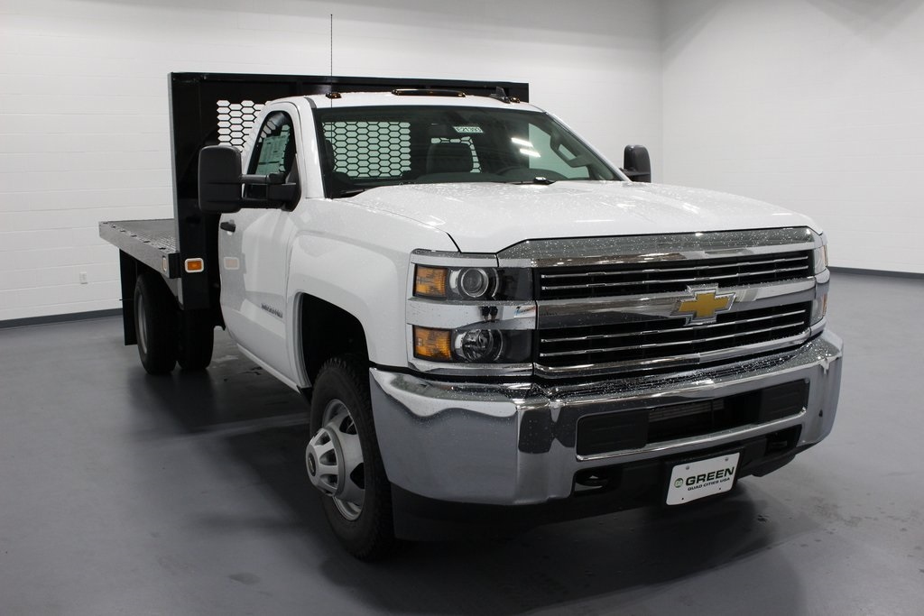 2018 Silverado 3500 Regular Cab DRW 4x2,  Knapheide Platform Body #E21393 - photo 3