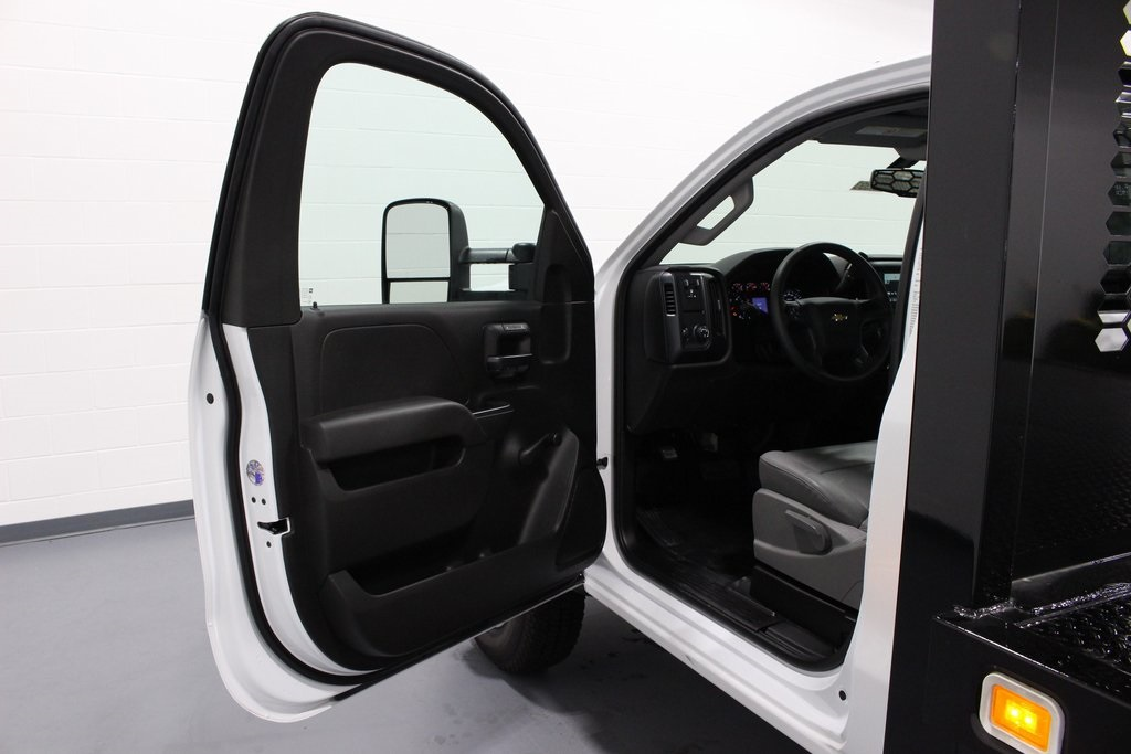 2018 Silverado 3500 Regular Cab DRW 4x2,  Knapheide Platform Body #E21393 - photo 9